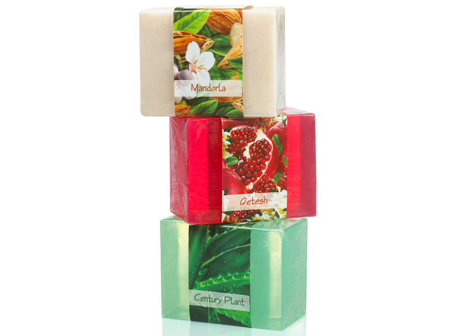 Pamper your skin with this delightful 3 soap collection utilizing the soothing effects of almond, jasmine, and aloe vera.