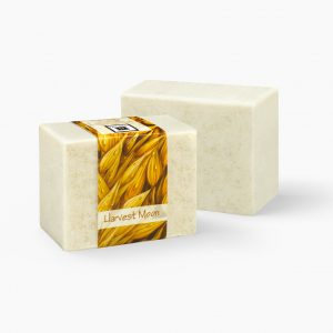 With the soothing effects of oats Harvest Moon glycerin soap is perfect for those with dry or irritated skin. Soothe your skin as you lose yourself in the humble scent of oat.